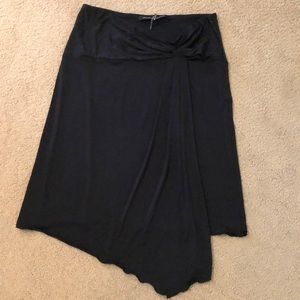 Dresses & Skirts - Soft and stretchy skirt with front pleats.